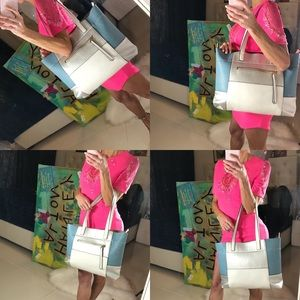 Handbags - MOVING SALE 🌟GORGEOUS BLUE AND WHITE TOTE